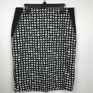 The Limited Pencil Skirt Size 4 Lined Checkered